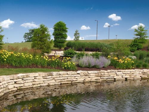 Commercial water/pond stone wall landscaping Columbus Ohio