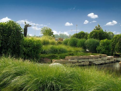 Commercial Landscape Architecture and Design Amenities